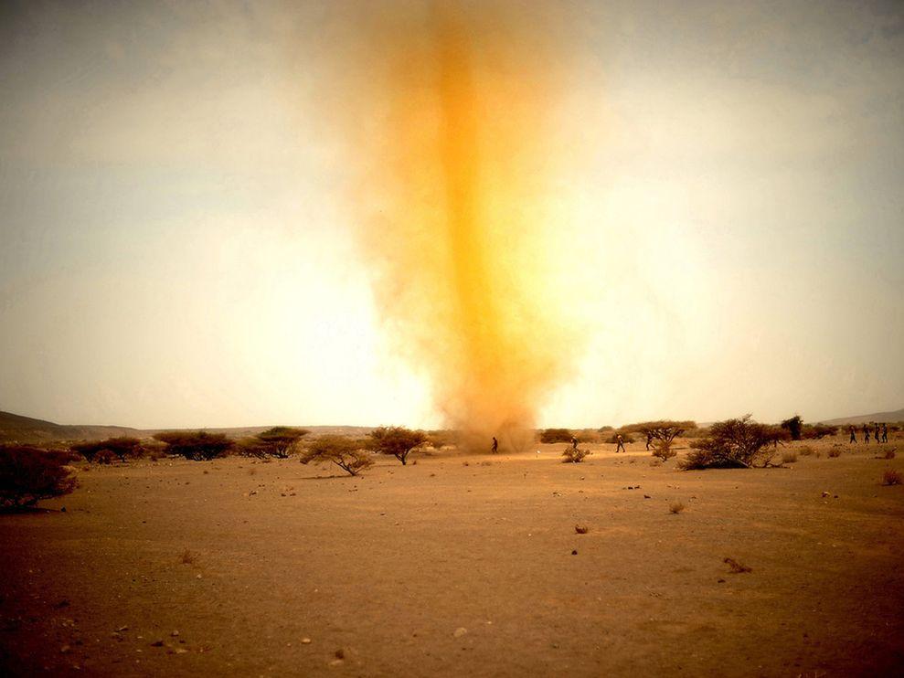 dust-tornado-djibouti-africa_1
