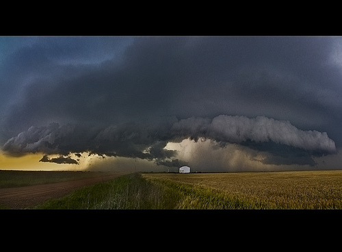 racing-the_shelf_cloud_7
