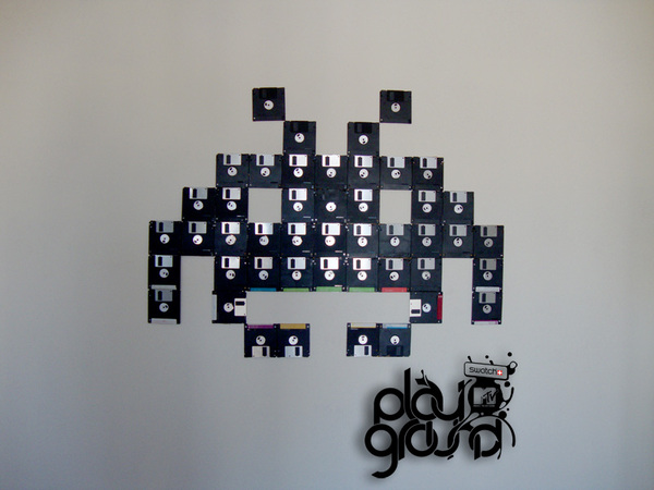 Space_invaders_Recycled_Art_11