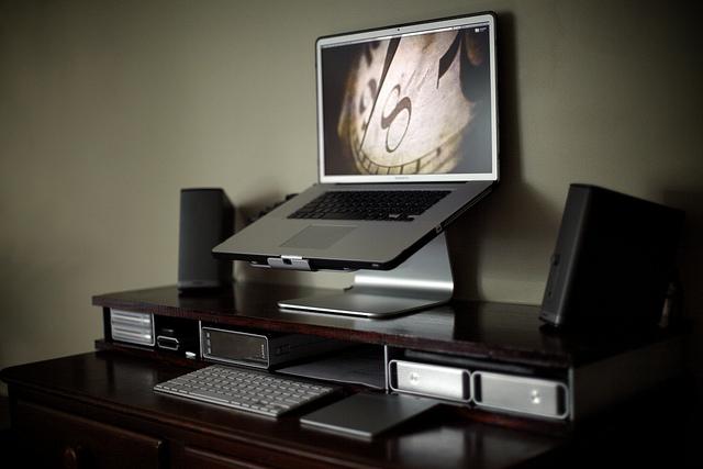 25 Best Home Office Workstation Setups | Pixel Curse