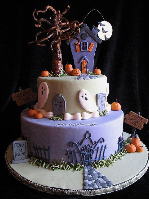 haunted_halloween_cake_17