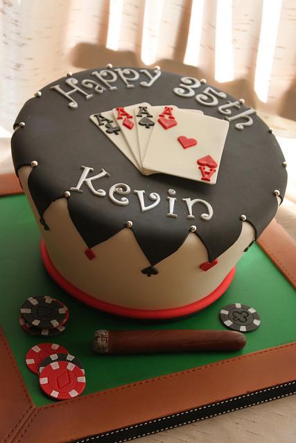 wonkey_poker_cake_22