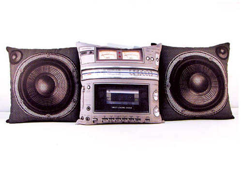 creative_boombox_pillow_set_5