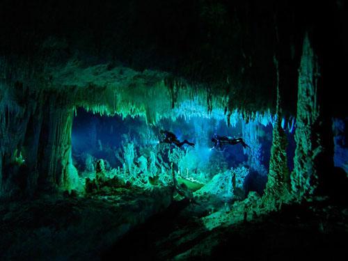 underwater-cave-bahamas-skiles101
