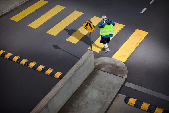 crossing_pedestrian_13
