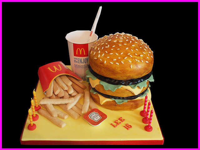 big_mac_and_fries_cake_10